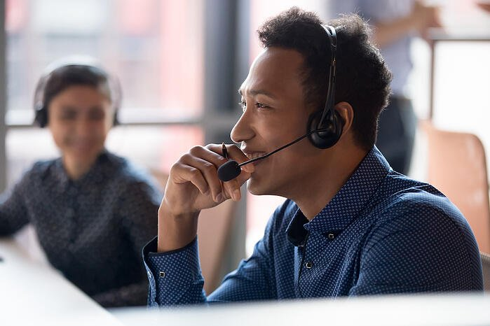 Contact center agent chatting with a customer